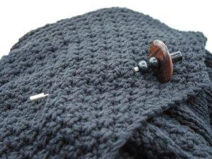 brown black agate brooch
