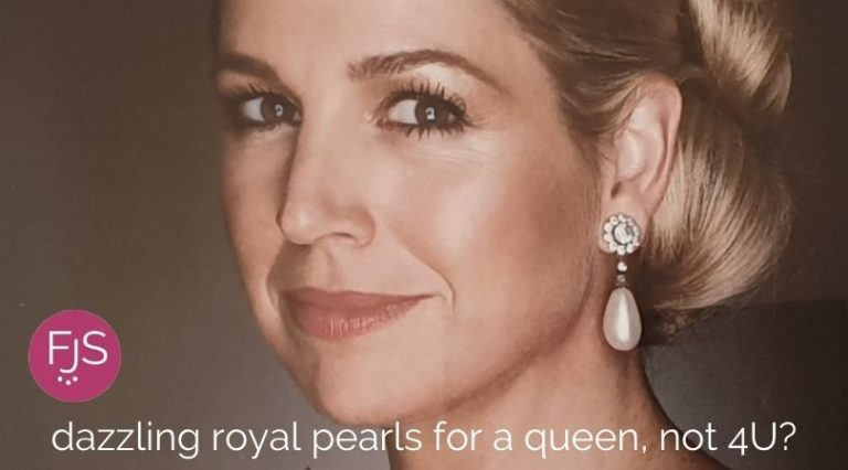 dazzling royal pearls for a queen, not 4U?