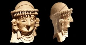 terracotta-statue-of-a-lady-from-the-idalion-kingdom-in-cyprus-625-600-bc-found-in-kyra-ayios