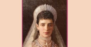 Maria Fjoedorovna with pearl choker